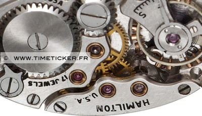 Boutons de Manchette Mécanisme Montre Hamilton (Long) Close Up 2